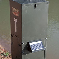 Fish feeders for ponds